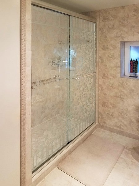 Chicago Glass Creative Frameless Bypass Sliding Shower Doors
