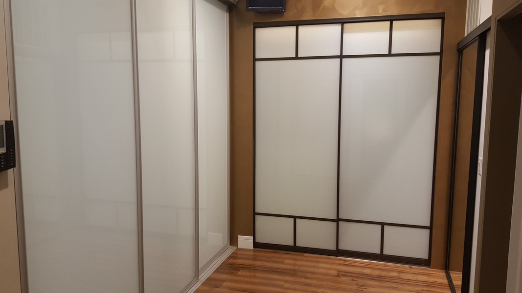 Raumplus German-Engineered Sliding Glass Room Dividers & Closet Doors