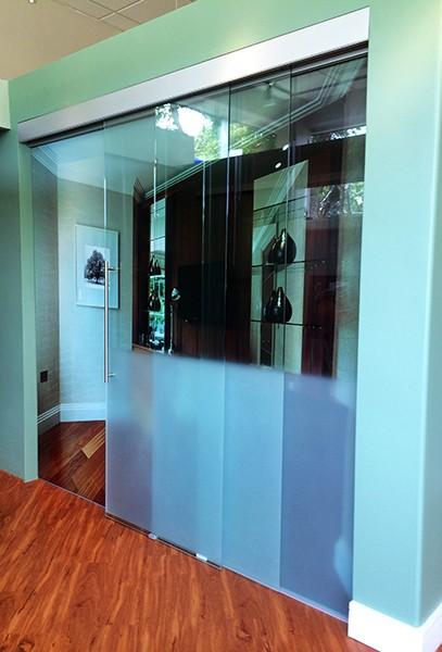 telescopic creative mirror shower. Black Bedroom Furniture Sets. Home Design Ideas