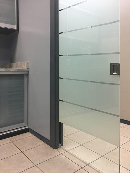 Pocket Doors Creative Mirror Shower