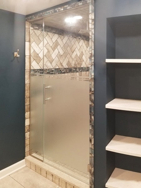Chicago Glass Frameless Shower Doors and Inline Panel