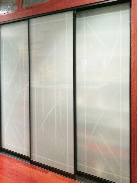 Etched sliding glass doors dividers creative mirror for Glass mirror sliding doors