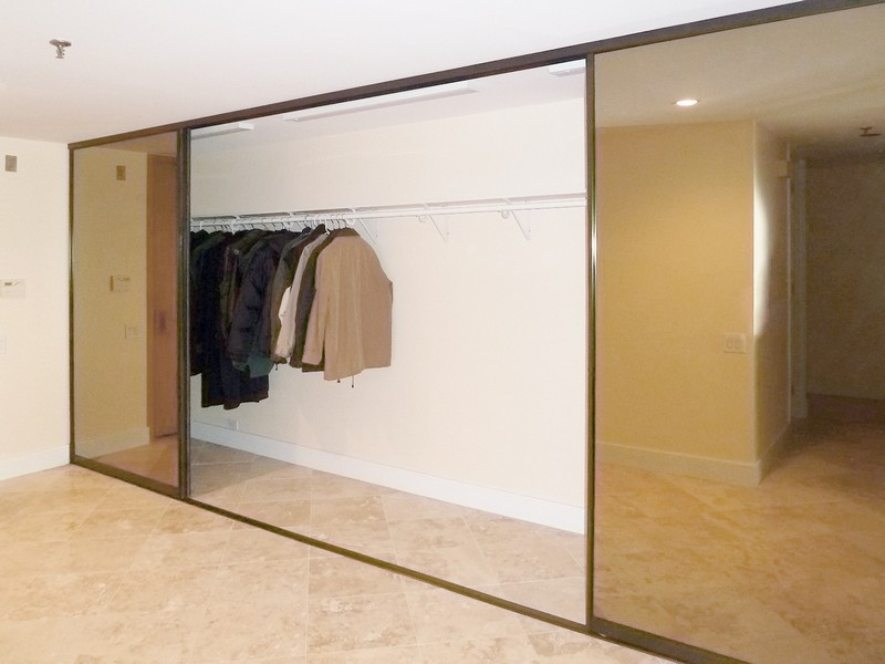 Chicago Glass Bottom Track Sliding Closet Doors