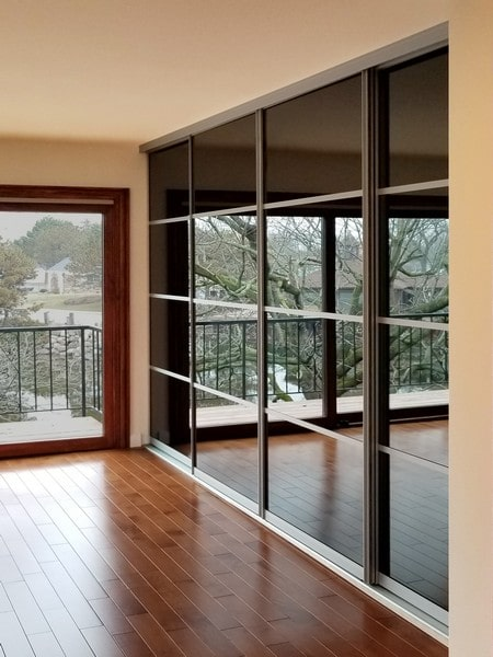 Chicago Glass Sliding Raumplus Closet Doors