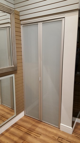 Chicago Glass Sliding Bifold Raumplus Closet Doors